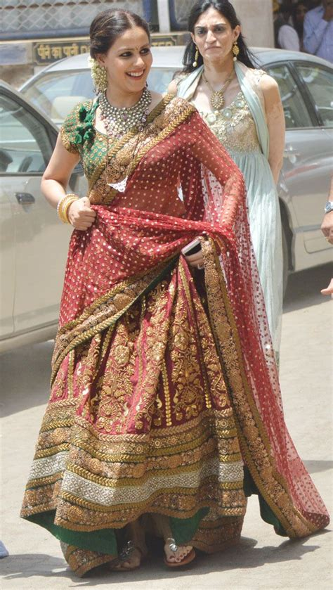 genelia attends brothers wedding  hubby riteish