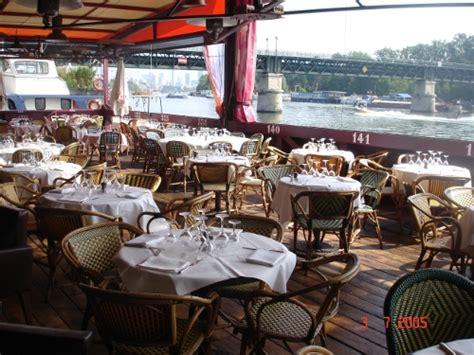 quai ouest vaste restaurant tendance avec terrasse en bord de seine