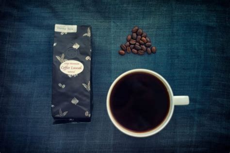 Bring me some coffee or seltzer and you'll probably be my new bff. What Is Kopi Luwak (aka Poop Coffee)? - Chowhound
