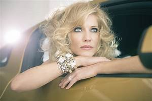 Tricia Helfer talks CON MAN, conventions, and the double ...  Tricia
