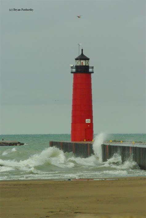 kenosha pier light kenosha pierhead lighthouse kenosha wisconsin
