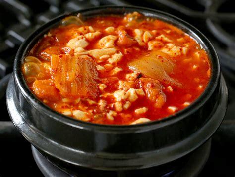 cuisine minute sundubu jjigae 순두부찌개 spicy tofu stew with kimchi