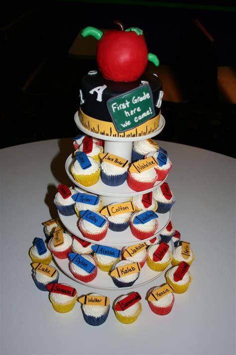 preschool graduation cake kindergarten graduation cake my cakes 152