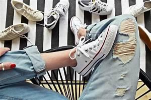 Weißes Leder Reinigen : lifehack 8 tipps wie man schuhe sneakers wieder wei bekommt ~ Frokenaadalensverden.com Haus und Dekorationen