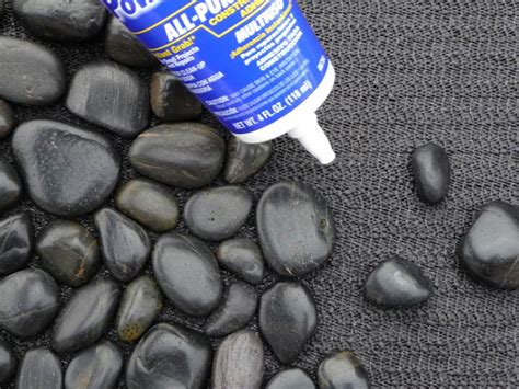 diy river stone carpet