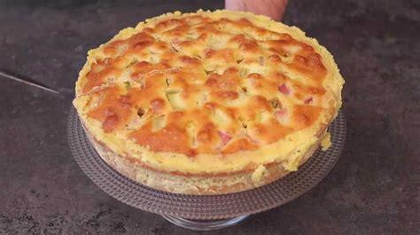 cuisiner de la rhubarbe gâteau à la rhubarbe de la tante suzanne