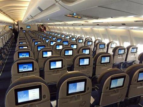 siege dans un avion un hacker pirate un avion depuis siège passager