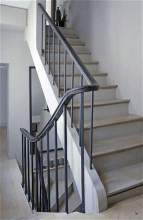 escalier repeint en gris escalier gris et bois meilleures images d inspiration pour votre design de maison