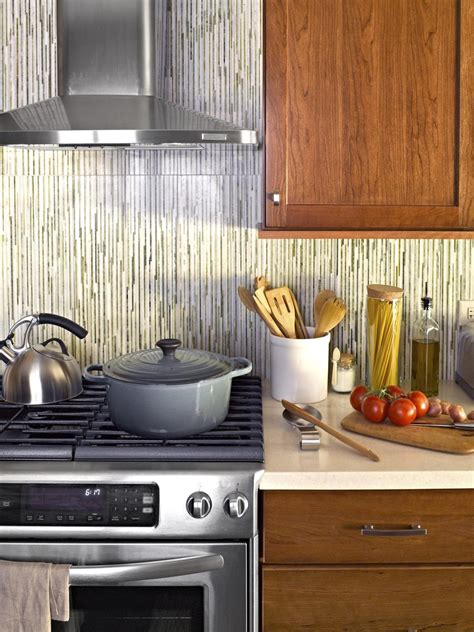 hgtv kitchen cabinet ideas small kitchen decorating ideas pictures tips from hgtv 4183