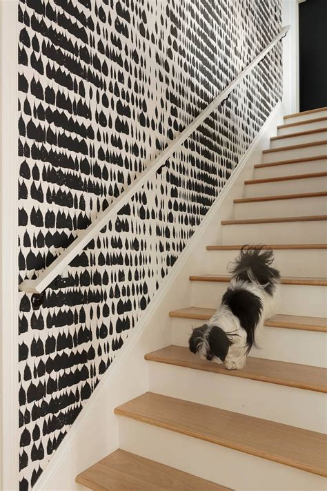 Treppenaufgang Tapezieren Ideen by Black And White Wallpapers To Help You Finish Decorating