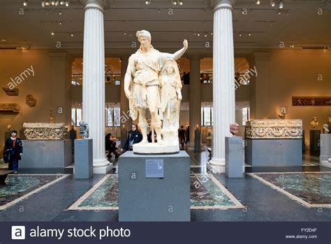 and wing the metropolitan museum of manhattan stock 102701775 alamy