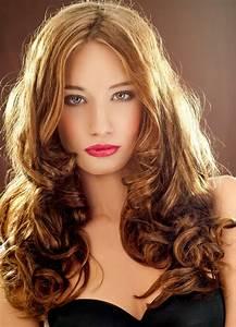 Schöne Frisuren Für Lange Haare : freche partyfrisur mit locken offen gestylt sch ne frisuren f r lange haare ~ Frokenaadalensverden.com Haus und Dekorationen