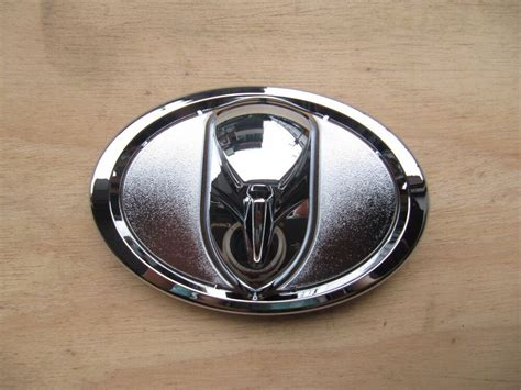 Emblem Toyota Camry By Lumobil toyota camry l le xle se highlander modified grille emblem
