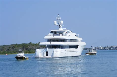 Boat Salvage Yard Fort Lauderdale by Photos 180 Foot Superyacht Harbour Island Towed By Cape
