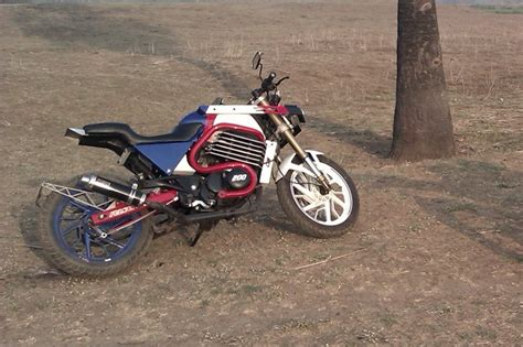 Pulsar 180 Altered Bikes by Zars Presents Modified Bajaj Pulsar 200
