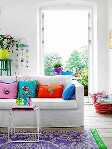 Fun and bright living room color ideas wrapping comfort for Bright colored living rooms
