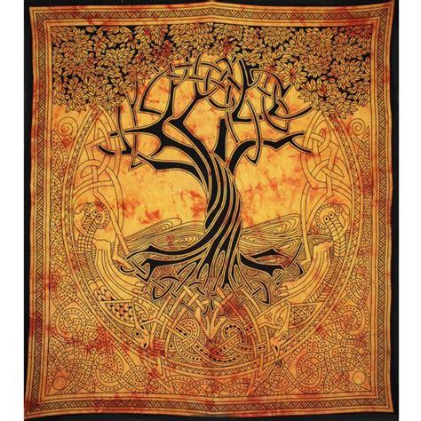 tenture murale arbre de vie grande tenture murale motif quot arbre celt quot sur artiglobe