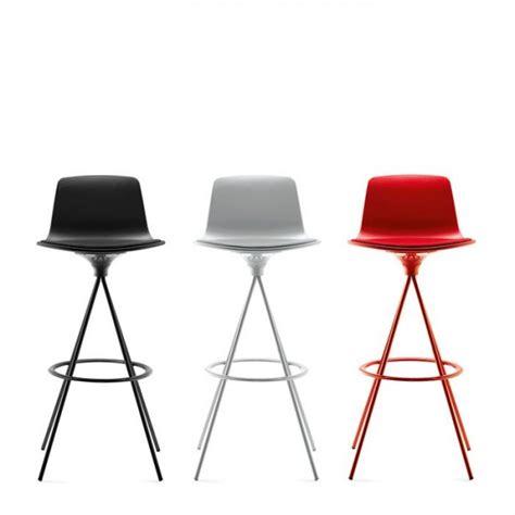 tabouret chaise de bar tabouret de bar ou snack pivotant design structure metal lottus enea tabouret tabourets de