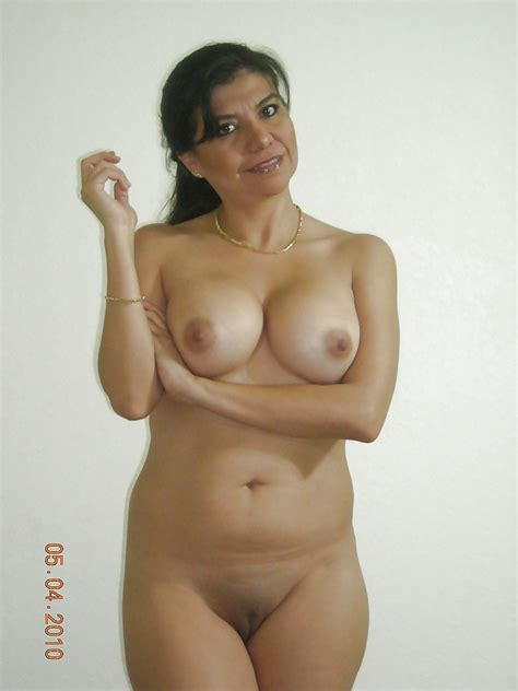 2cd04e6be616de42b2750836 In Gallery Mature Indian