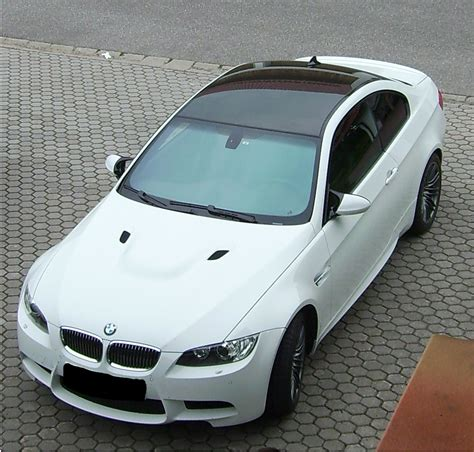 File:Bmw m3 v8 e92.jpg - Wikimedia Commons