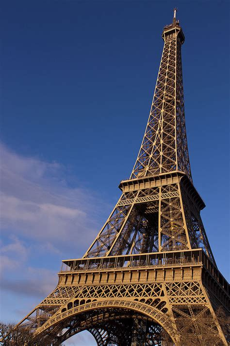 fileeiffel tower paris  december jpg wikimedia