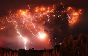Volcanic Lightning Storms [PHOTOS]