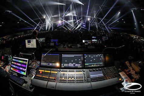 Armin Van Buuren  A State Of Trance Episode 758 (0704