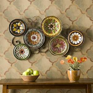 Scattered italian plates wall d?cor
