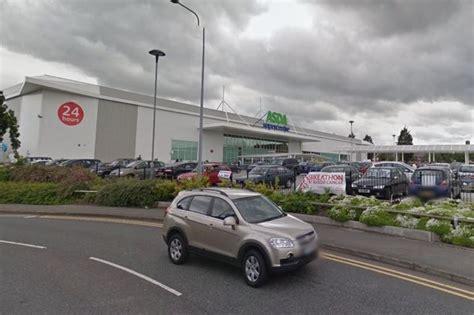 Travellers Return To Ellesmere Port Asda Car Park