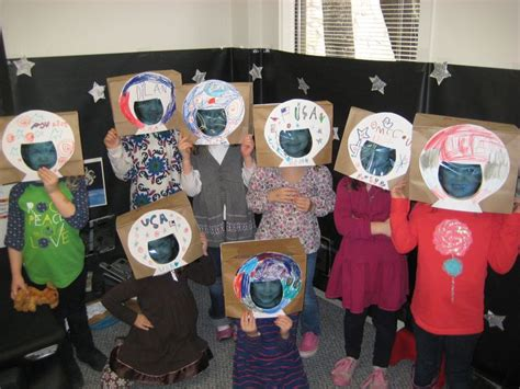 119 best images about preschool themes outer space on 174 | b4a0b01570e4c89ed7337ffb51891d91 space party space theme