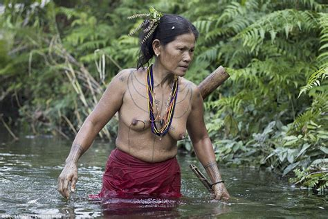 Indonesian tribe that sharpens their teeth and decorate