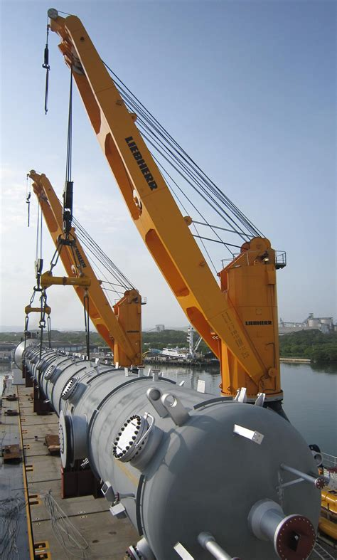 heavy lift vessels project cargo shipping
