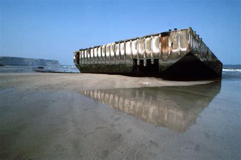 File:Arromanches Mulberry-Harbour Spud-Pier-Pontoon449 1 ...