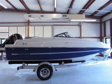 Boats Unlimited New Bern by 2016 Bayliner 190 19 Foot Blue 2016 Bayliner Boat In New