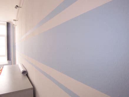 Wand überstreichen by Fertige Streifen An Der Wand Blue Striped Wall For