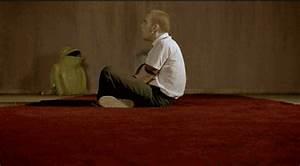 gif drugs movie gif Ewan McGregor trainspotting magic ...