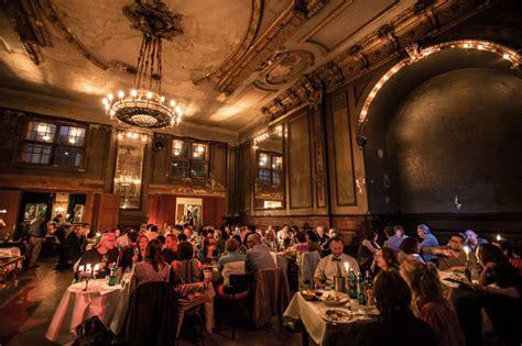 prendre des cours de cuisine clärchens ballhaus salle de bal resto et concert à berlin mitte vanupied