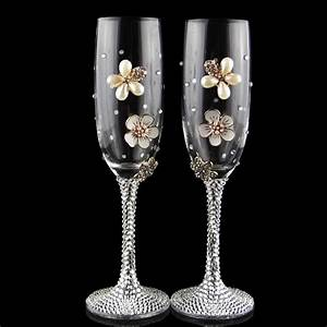 handmade luxury creative gifts 2pcs set wedding glasses With decorating wedding glasses for bride and groom