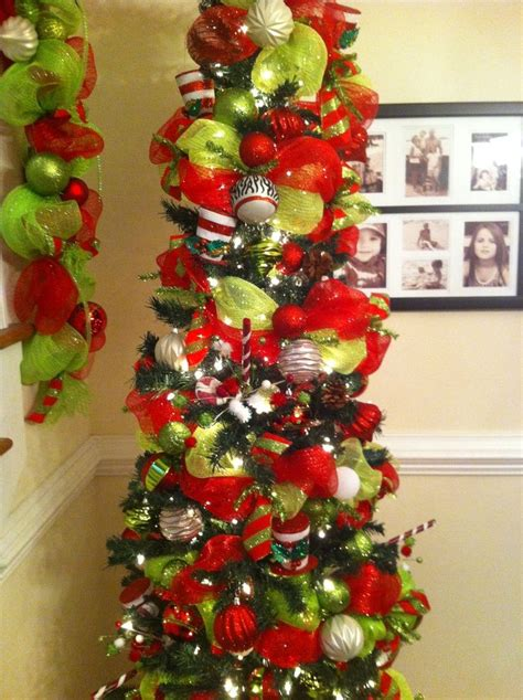 How To Use Decorative Mesh On Trees - deco mesh decorated trees deco mesh garland on