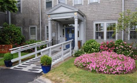 nantucket cottage hospital new year doctors join nantucket cottage hospital