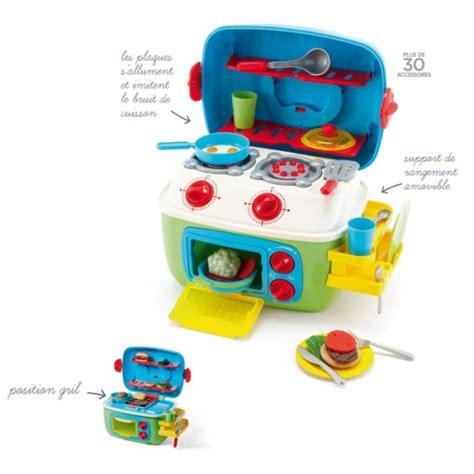 jeux de de cuisine de noël approche sa liste de jouets à 2 ans et demi les