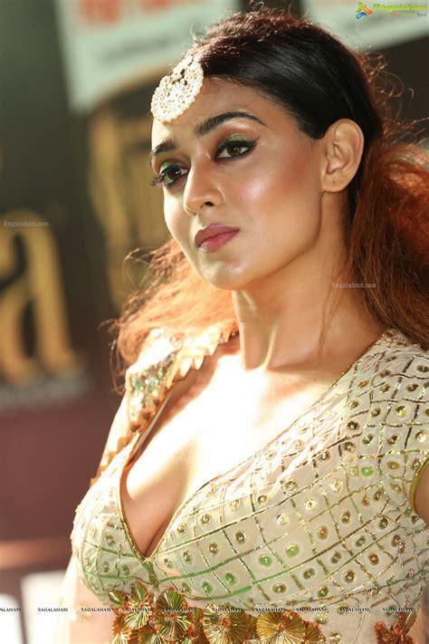 actress apoorva ragalahari apoorva posters image 2 tollywood actress photos