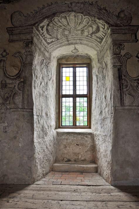 mod  sims castle windows question