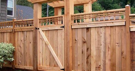 fence staining  specialize  wood fence staining