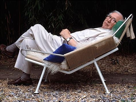 the flag halyard chair by hans j wegner