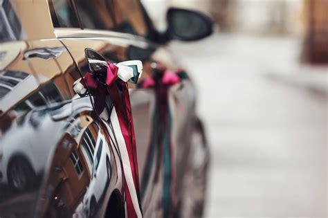 ruban pour deco voiture mariage decoration voiture mariage cortege id 233 es et d inspiration sur le mariage
