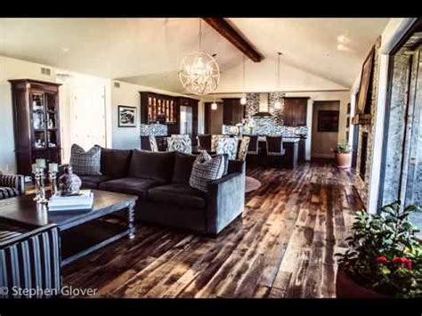 interior ruang keluarga klasik roger danuarta desain