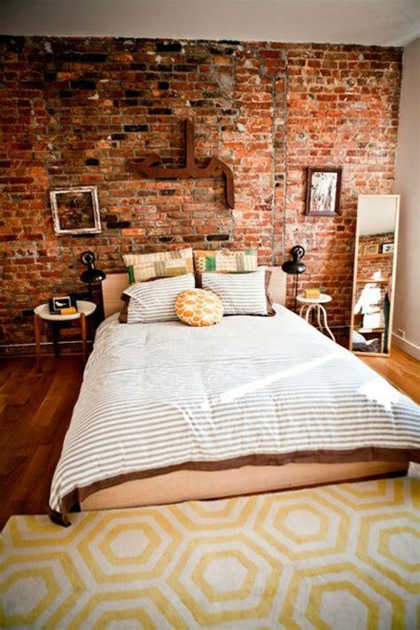 Dekoideen Fuer Die Ziegelwand Im Schlafzimmer Und Eine Ziegelwand Als Deko by Ziegelwand In Der Wohnung Integrieren Extravagante Ideen