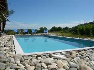 realisations piscines marinal With tour de piscine en galet