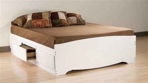Storage Bed No Headboard by Decorating Beds Without Headboards Homesfeed